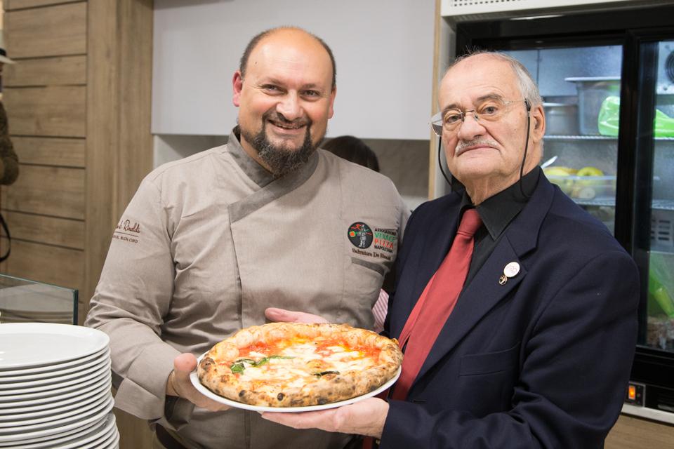 Salvatore de Rinaldi e l'AVPN per la Giornata Mondiale del Pizzaiolo
